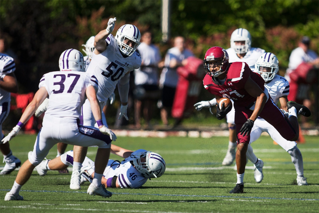 Bates+Football+Falls+to+Amherst%2C+but+Demonstrates+Promising+Growth